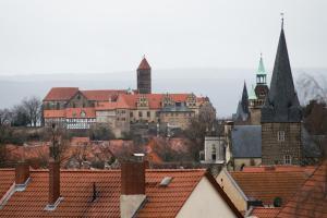 Harztour Ferienwohnung II, Apartments  Quedlinburg - big - 2