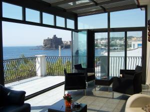 La Terrazza, Bed & Breakfast  Aci Castello - big - 25