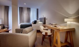 Petit Hôtel Confidentiel, Отели  Шамбери - big - 53
