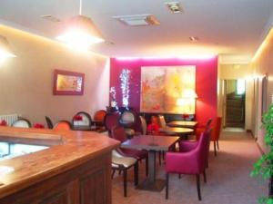 Les Capucins, Hotels  Avallon - big - 21