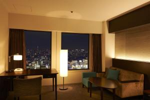 Plaza Luxe Double Room with free access to Lounge - Non-Smoking