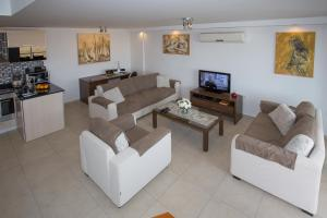 Babylon Beach Residence 2, Apartmanok  Side - big - 18
