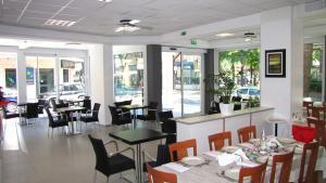 Hotel Vienna, Hotel  Gabicce Mare - big - 36
