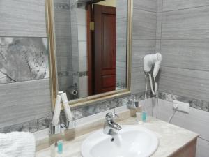 Hotel Сomplex Ak-Zhaik, Hotely  Karagandy - big - 64