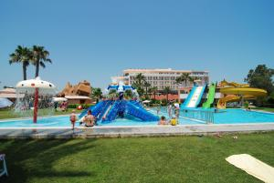 Adora Golf Resort Hotel, Resort  Belek - big - 82