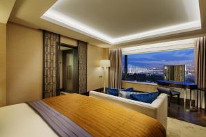 Apartament ambasadorski z dostępem do salonu Executive Lounge – bezpłatny transfer lotniskowy