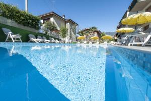 Hotel Garni Ischia, Отели  Мальчезине - big - 62