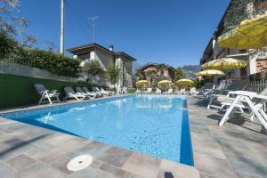 Hotel Garni Ischia, Отели  Мальчезине - big - 52