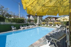 Hotel Garni Ischia, Отели  Мальчезине - big - 51