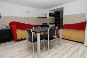 Hotel Garni Ischia, Отели  Мальчезине - big - 40