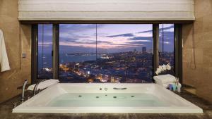 Apartament Prezydencki z dostępem do salonu Executive Lounge