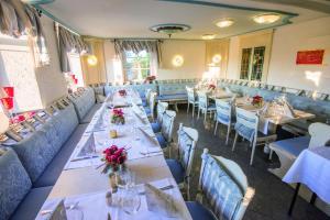 Hotel & Restaurant Zum Vater Rhein, Hotely  Monheim - big - 16