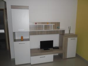 Apartment Elza, Apartmány  Povljana - big - 7