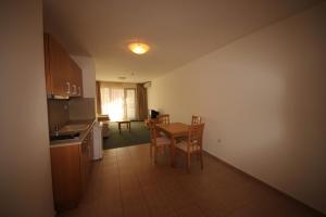Menada Ravda Apartments, Apartmanok  Ravda - big - 171