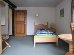 Hof Guttels Waldgasthof Ferienpension, Penzióny  Rotenburg an der Fulda - big - 84