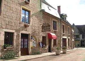 Logis Le Grand Monarque - Donzy