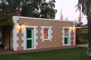 Montana Guest Farm, Bed & Breakfasts  Oudtshoorn - big - 12