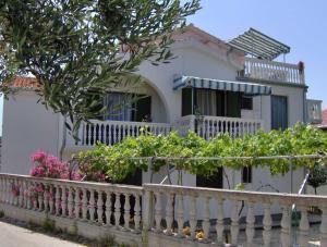 Apartments Antonela, Apartmanok  Tribunj - big - 37
