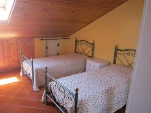 La Mansardina, Ferienwohnungen  Santo Stefano di Camastra - big - 2