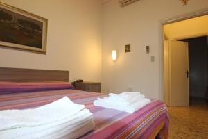 Casa per Ferie Regina Santo Rosario, Bed and Breakfasts  Florencie - big - 5