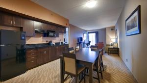 King Suite with Kitchenette - Non smoking