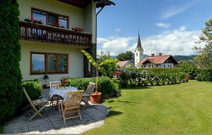 Hotel garni Landhaus Servus, Hotels  Velden am Wörthersee - big - 15