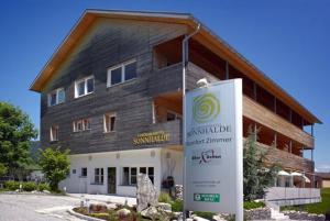 Panoramahotel Sonnhalde, Отели  Шварценберг-им-Брегенцервальд - big - 81