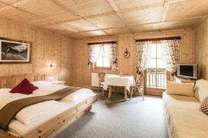 Hotel Oberraindlhof, Hotely  Senales - big - 2