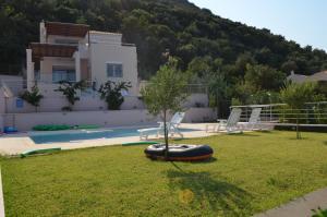 Villa Soumela, Vily  Nikiana - big - 13