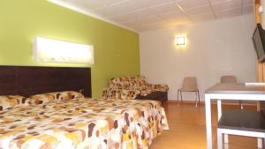 Quadruple Room (3 Adults + 1 Child)