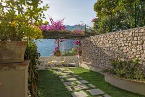 Villa Mariuccia Capri, Apartmanok  Capri - big - 22