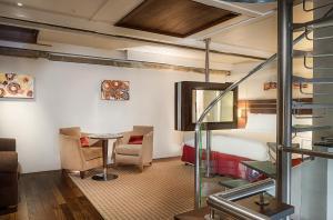Apartament typu Tower Suite z dostępem do salonu