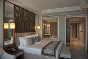 Club King Room With Burj View