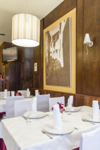 Hostal Restaurante Alarico, Pensionen  Allariz - big - 26