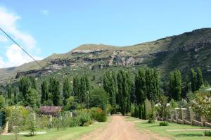 Mont Rouge, Guest houses  Clarens - big - 80
