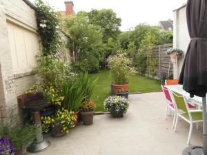 Garden in the city, Ferienwohnungen  Gent - big - 41