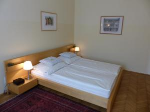 Stadtnest B&B Wien, Bed and breakfasts  Vienna - big - 10