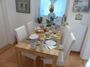 Stadtnest B&B Wien, Bed and breakfasts  Vienna - big - 18