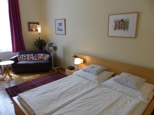 Stadtnest B&B Wien, Bed and breakfasts  Vienna - big - 20