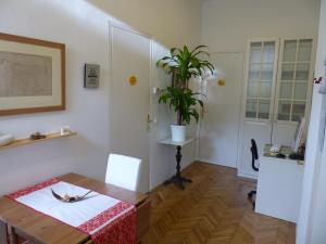 Stadtnest B&B Wien, Bed and breakfasts  Vienna - big - 2