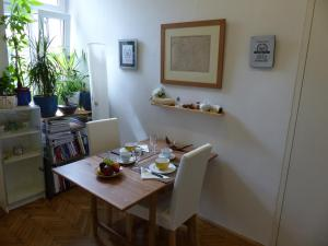 Stadtnest B&B Wien, Bed and breakfasts  Vienna - big - 14