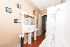MAAM - Lafon, Apartments  Marseille - big - 35