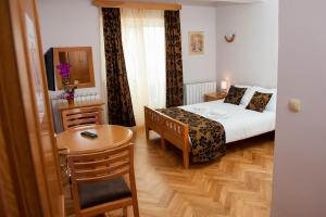 Villa Romantika, Apartmány  Zlatibor - big - 38