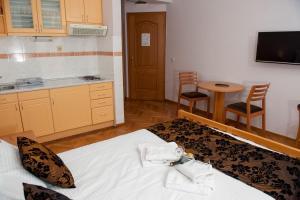 Villa Romantika, Apartmány  Zlatibor - big - 34