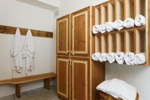 Villa Ortensia, Aparthotels  San Vigilio Di Marebbe - big - 77