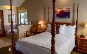 Deluxe Queen Room with Ocean View