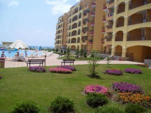 Apartment in Midia Grand Resort, Apartmány  Aheloy - big - 1