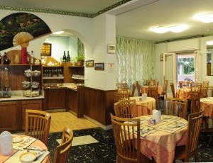 Hotel Daisy, Hotely  Marina di Massa - big - 48