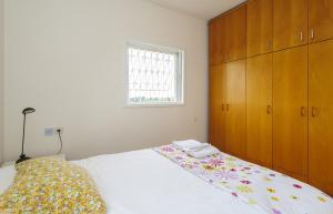 Kfar Saba Center Apartment, Апартаменты  Кфар-Сава - big - 7