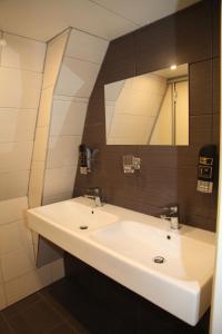 4人部屋 共用バスルーム